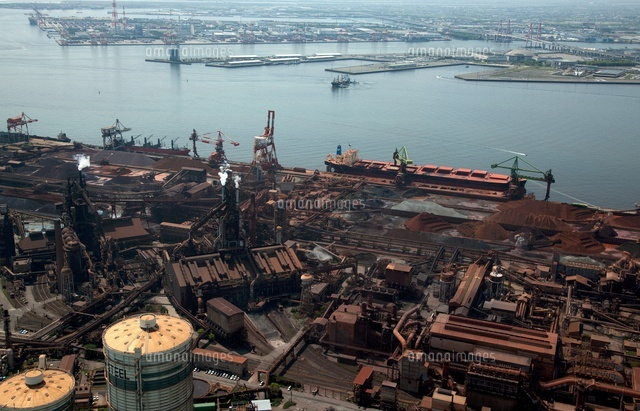 中京工業地区(鉄鋼生産基地と鉱石船)と名古屋港[25397007836]の写真 ...