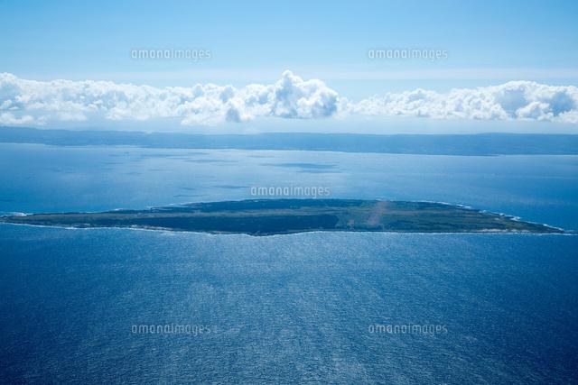 馬毛島(大隅諸島)後方は種子島[2...