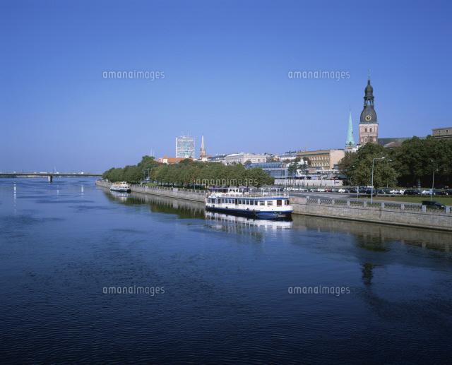 ダウガヴァ川と旧市街[254100138...