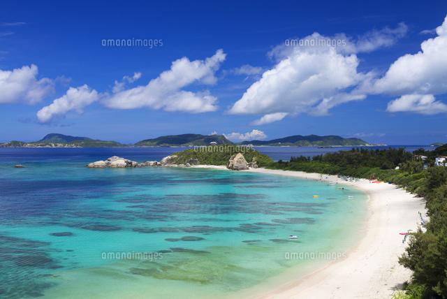 ケラマブルーの海と阿波連ビーチ...