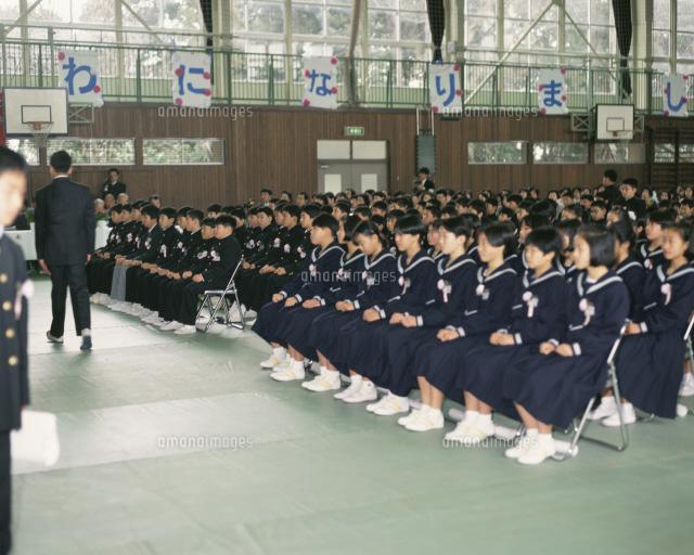 小学校の卒業式25553002272の写真素材イラスト素材アマナイメージズ