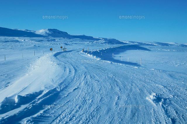 アイスランドの雪道 アイスラン...