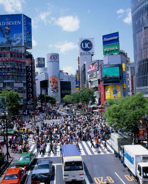 人混みと渋谷の街25801002072の写真素材イラスト素材アマナイメージズ