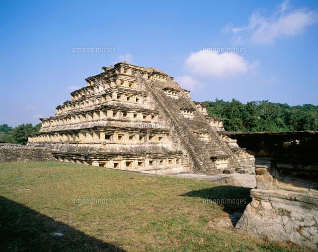 エル・タヒン 壁龕ピラミッド[25...