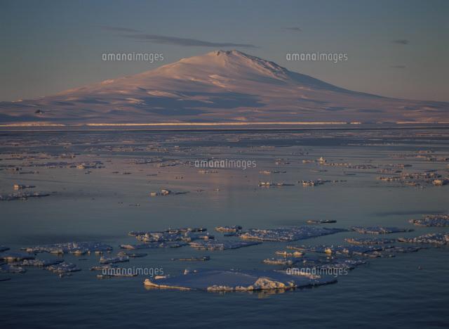 流氷とメルボルン山白夜ロス海[2...