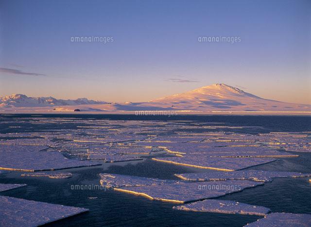 メルボルン山と流氷 ロス海[2592...