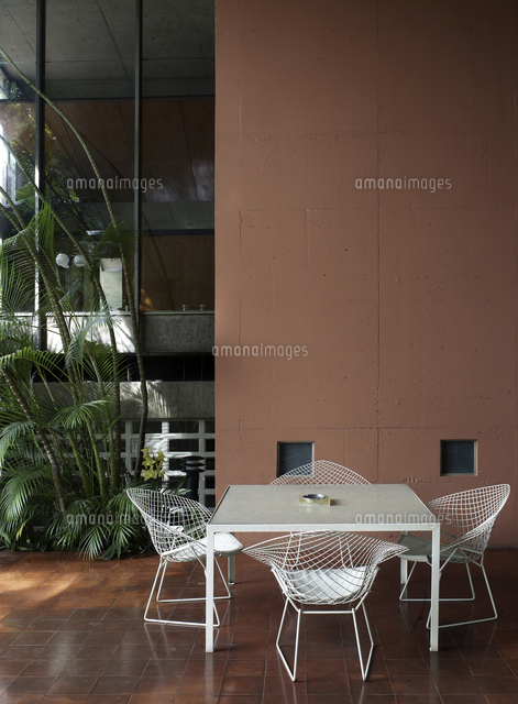 Outdoor Terrace With Furniture Of Acayaba Home,  Brazil[25937007714]の写真素材・イラスト素材|アマナイメージズ