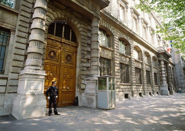 パリ警視庁[25947026626]| 写真...