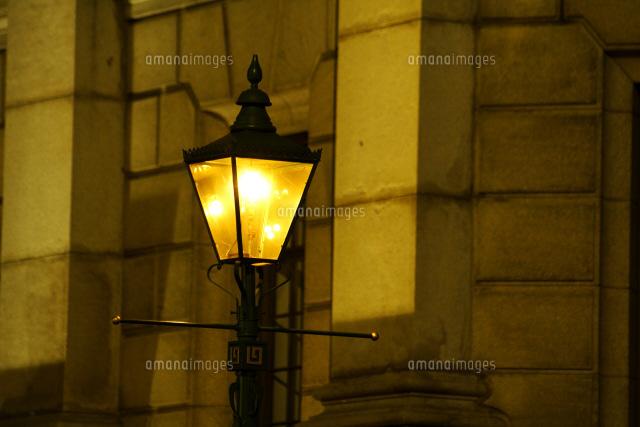 馬車道のガス灯25980002522の写真素材イラスト素材アマナイメージズ