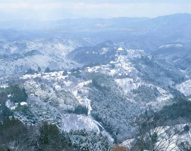 雪の吉野山 吉野町[26009001860]| 写真素材・ストックフォト ...