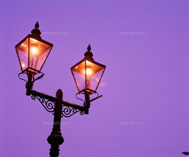 ガス燈26033000326の写真素材イラスト素材アマナイメージズ