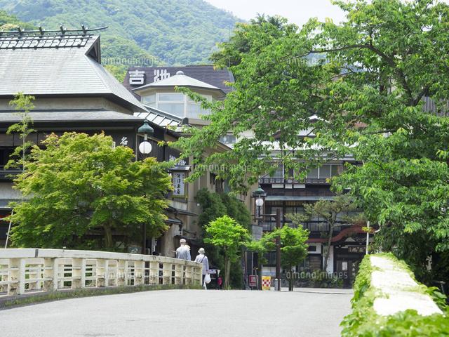 箱根湯本 温泉街26033005081の写真素材イラスト素材アマナイメージズ
