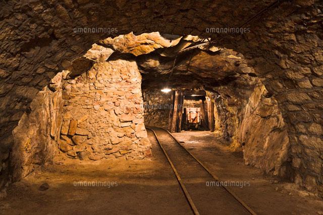 坑道跡[26095005770]の写真素材・イラスト素材|アマナイメージズ