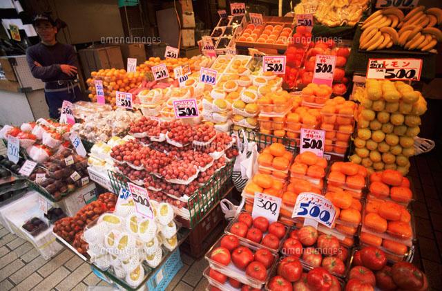 アメ横商店街の果物屋