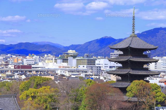 東寺の五重塔と京都市街26121031023の写真素材イラスト素材アマナ