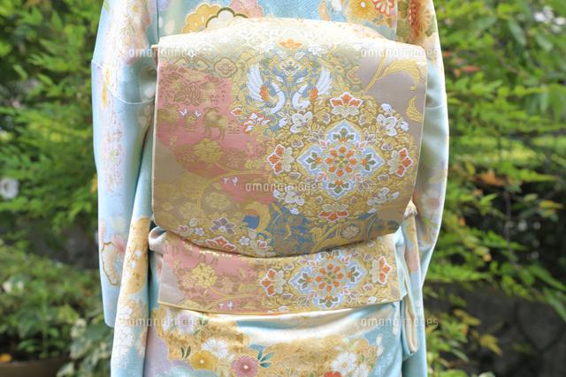 西陣織の帯と京友禅の着物26121032111の写真素材イラスト素材