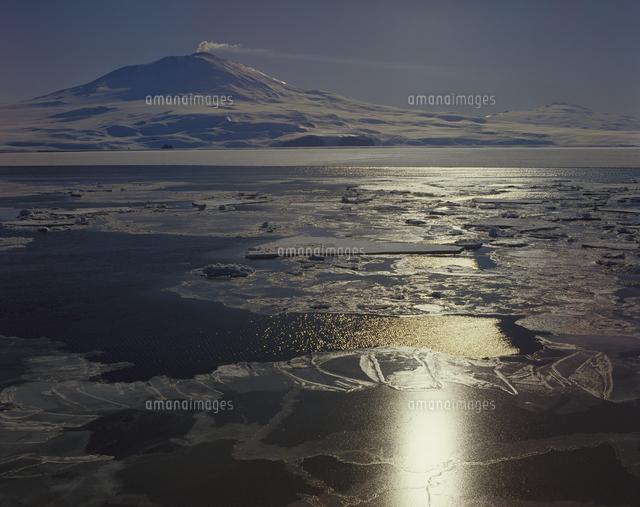 エレバス山 活火山[32240001019]...