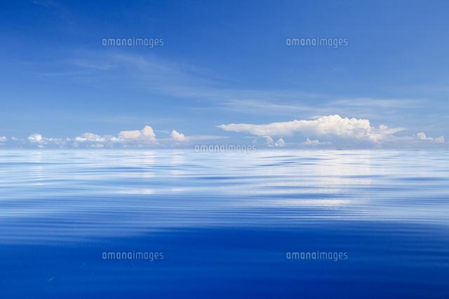 小笠原のボニンブルーの凪の海[3...