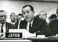 1964年 IMF・世銀総会で演説する田中蔵相【要事前申請】