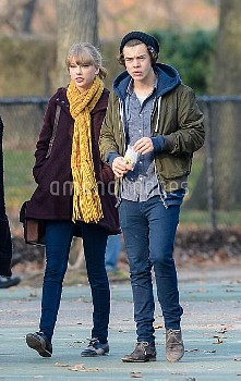Taylor Swift and Harry Styles spend the afternoon in Central Park