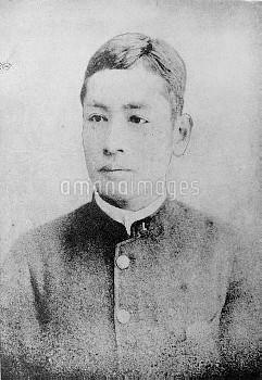 夏目漱石 小説家 英文学者 夏目金之助明治25年25歳  撮影日不明