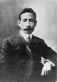 夏目漱石 小説家 英文学者 次男伸六誕生の頃の漱石(明治41年12月)