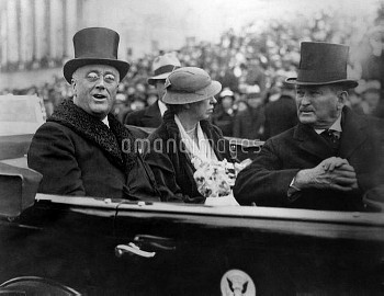 President Franklin and Eleanor Roosevelt in 1933 Inaugural procession. (BSLOC_2013_5_100)