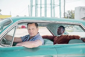 GREEN BOOK, from left: Viggo Mortensen, Mahershala Ali, 2018. Patti Perret/ © Universal /Courtesy Ev