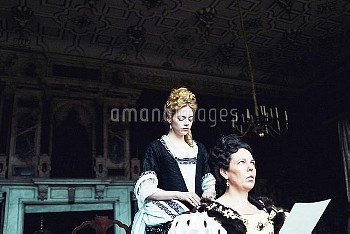 THE FAVOURITE, from left: Emma Stone, Olivia Colman, 2018. ph: Yorgos Lanthimos / TM & copyright © F