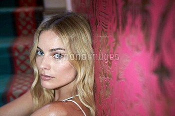 Margot Robbie by Headpress