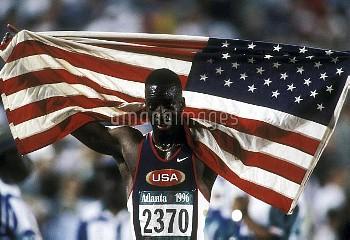 オリンピック  第26回アトランタ大会(アメリカ 1996年) 陸上 男子 400m 決勝 金メダル マイケル・ジョンソン(アメリカ) クレジット:フォート・キシモト 1996年7月29日  Olym