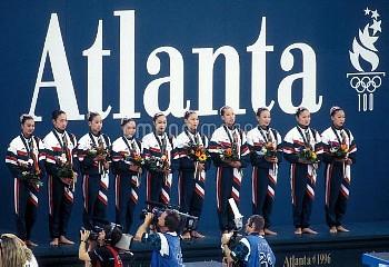 オリンピック  第26回アトランタ大会(アメリカ 1996年) 水泳/シンクロナイズドスイミング 団体 表彰式 銅メダル  日本チーム クレジット:フォート・キシモト 1996年8月2日  Olymp