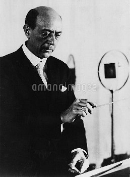 Arnold Schoenberg, Austrian composer, teacher of composition, and leader of the Second Viennese Scho