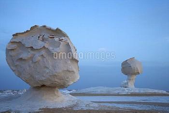 Limestone rock formations, White Desert National Park, Libyan Desert, Egypt