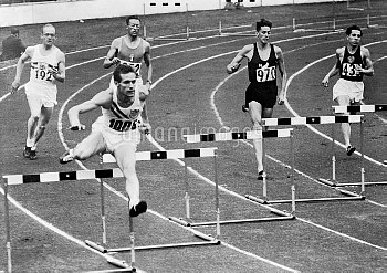 USA's Charles Moore (second l) on his way to winning gold ahead of USSR's Yuriy Lituyev (r, silver)
