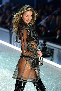 Sanne Vloet during the Victoria's Secret fashion show, held at The Grand Palais in Paris, France.