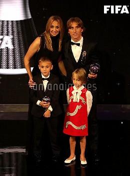 The Best FIFA Men's Player Award Winner Luke Modric (back right) with wife Vanja Bosnic (back left)