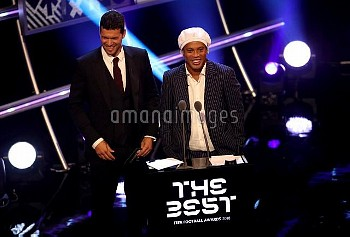 Michael Ballack (left) and Ronaldinho (right) on stage presenting the FIFA FIFPro World 11 Awards du