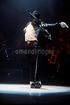 1988, USA: Michael Jackson, during his white sequined glove days, performs while on his USA Tour. Ja