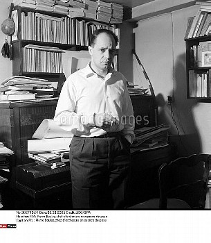 Fra : Pierre Boulez,chez d'orchestre en seance de pose