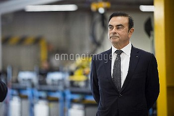 Emmanuel Macron with Carlos Ghosn during a visit of the Renault factory - Maubeuge