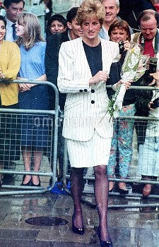 NATIONAL PICTURES   Stock shot of Diana with flowers.  Date unknown.