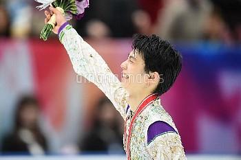 フィギュアスケート グランプリシリーズ NHK杯 2015 羽生結弦が300点超えで優勝