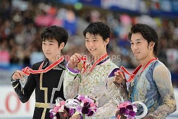 フィギュアスケート グランプリシリーズ NHK杯 2015 羽生結弦が300点超えで優勝 金博洋(中国)が2位 無良崇人は3位