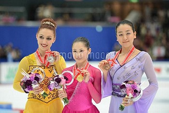 フィギュアスケート グランプリシリーズ NHK杯 2015 宮原知子が初優勝 浅田真央は3位