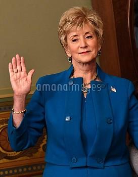リンダ・マクマホン(Linda McMahon)=米中小企業庁長官 Small Business Administrator Linda McMahon is sworn-in in Washingt