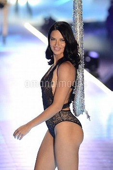 Victoria's secret 2018 Fashion Show at Pier 94  Featuring: Adriana Lima Where: New York, New York,