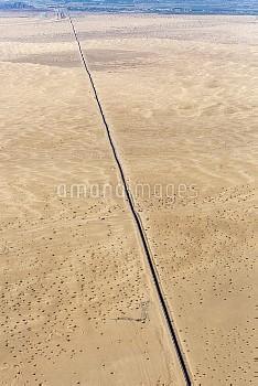 米国とメキシコ国境の壁=米国アリゾナ州 US-Mexico Border Aerials
