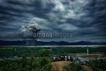 Houses of Rohingyas are burning in Myanmar