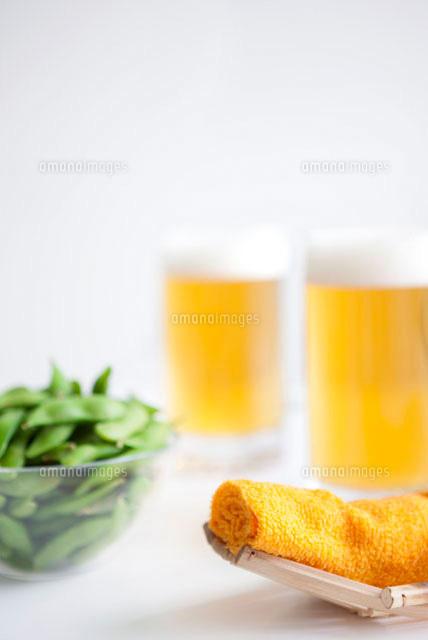 おしぼりと枝豆とビール07800013530の写真素材イラスト素材アマナ